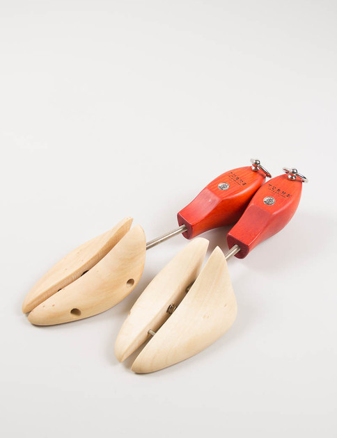 Red Wooden Universal Shoe Trees